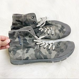 No bull High-top Camo Camouflaged Trainer Sneakers